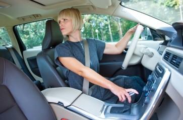 KET to nesužinosite: kokį signalą rodyti važiuojant atbulomis?